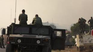 Les soldats tunisiens dans le mont Chaambi, près de la frontière algérienne, le 2 août 2013, lors d'une vaste opération militaire contre un groupe armé.