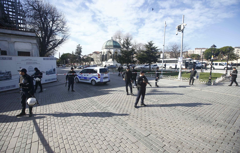 L'attaque qui a eu lieu le 12 janvier 2016 dans la matinée, dans le quartier touristique de Sultanahmet à Istanbul, a fait 10 morts et 17 blessés.