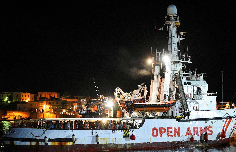 Le navire au pavillon espagnol «Open Arms» est arrivé peu avant minuit le 20 août au port de Lampedusa, en Sicile.