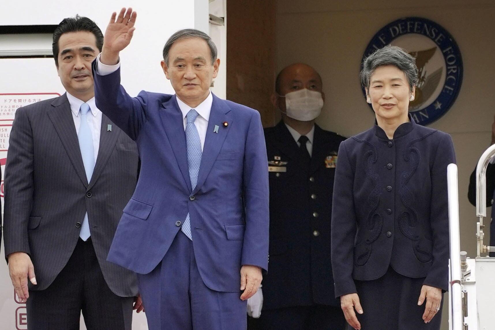 2020-10-18T081241Z_28964444_RC2WKJ91YYMM_RTRMADP_3_JAPAN-POLITICS-SUGA