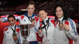 Emily Thouy, Tiffany Fanjat, Alexandra Recchia et Lolita Dona, championnes du monde par équipe, le 25 novembre 2012.