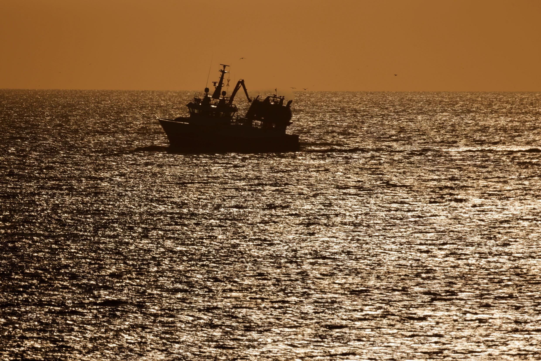 2021-04-23T074318Z_1749760913_RC2J1N9MPE6V_RTRMADP_3_BRITAIN-EU-FRANCE-FISHING