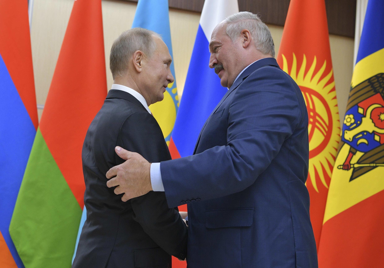 Владимир Путин и Александр Лукашенко 26 декабря 2017.