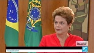 Dilma em entrevista à France Media Monde no Palácio do Planalto.