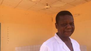 Le docteur Lucien Djangnikpo dirige le Centre national de référence de la fistule obstétricale de Niamey, ouvert en 2013, où des femmes venues de tout le Niger sont opérées.