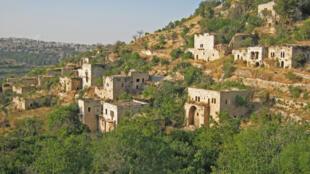 La vie s'est arrêtée en 1948 à Lifta. C'est l'un des 450 villages arabes où les habitants ont fui ou ont été chassés pendant les affrontements avant et après la naissance d'Israël.