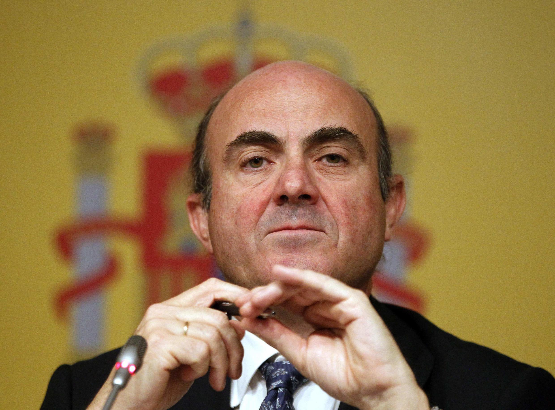 Le ministre espagnol de l'Economie, Luis de Guindos, lors d'une conférence de presse ce samedi 9 juin 2012. Son gouvernement a annoncé vouloir demander un aide européenne pour sauver son secteur bancaire.
