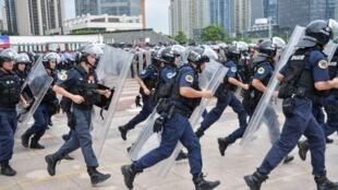 Exercice anti-émeute à Shenzhen (Chine), le 6 août 2019.
