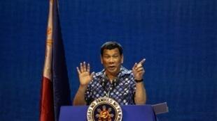 Presidente Rodrigo Duterte durante la campaña para las elecciones de medio mandato