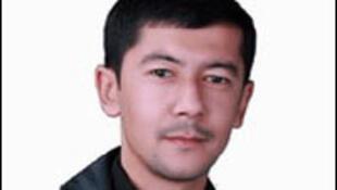 Узбекский журналист, популярный спортивный комментатор и поэт Хайрулло Хамидов. 21 января 2010 г. он был арестован, 18 февраля было закончено следствие, в ближайшее время ожидается начало суда по обвинению в «незаконной организации общественных объединений
