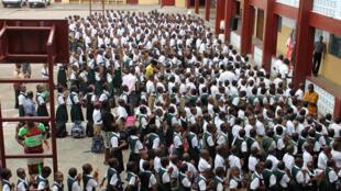 Des étudiants, lors de la rentrée des classes au lycée de Don Bosco, à Monrovia, le 16 février 2015.