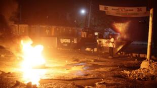 Os resultados do primeiro turno das eleições presidenciais geram distúrbios e protestos no país.