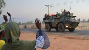 Convoys of French troops have set off for northern Mali.