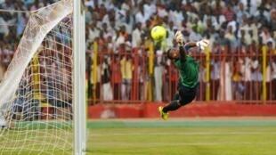 Wakati wa mchuano kati ya Sudani na Afrika Kusini katika kufuzu kwa CAN 2015.