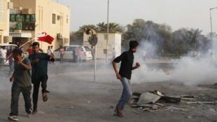 Depuis mi-février, une vingtaine de personnes ont été tuées dans des manifestations, selon le bilan officiel du ministère de l'Intérieur.