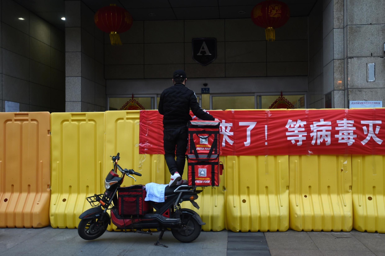 La Chine souhaite adopter une approche plus nuancée pour contrôler l'épidémie afin de réduire l'impact sur l'économie.