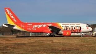 Một chiếc Airbus A320 của hãng hàng không giá rẻ VietJetAir - Ảnh chụp ngày 06/11/2012