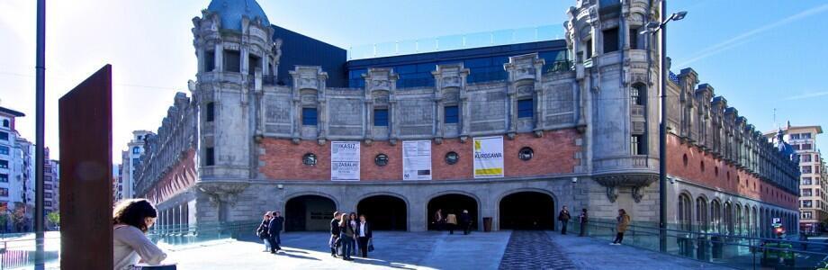 El centro Alhóndiga Bilbao.