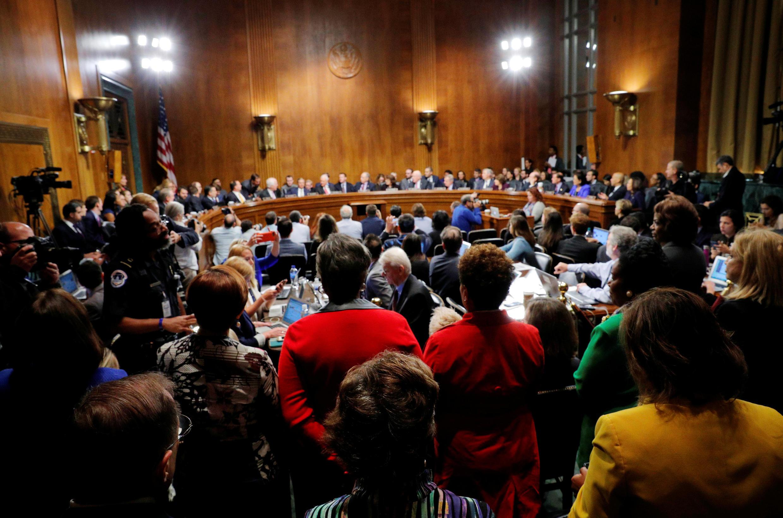 UB Tư Pháp Thượng Viện Mỹ trong cuộc bỏ phiếu chấp thuận bổ nhiệm thẩm phán Kavanaugh vào Tối Cao Pháp Viện, Washington, ngày 28/09/2018