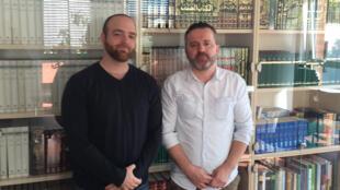 Amin Kaminski et Gatur Musliu, deux étudiants, à l'Institut universitaire de théologie islamique d'Osnabrück.