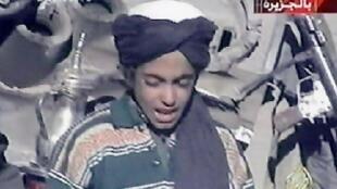 Hamza Ben Laden, fils d'Oussama, dans un vidéo diffusée en novembre 2001.
