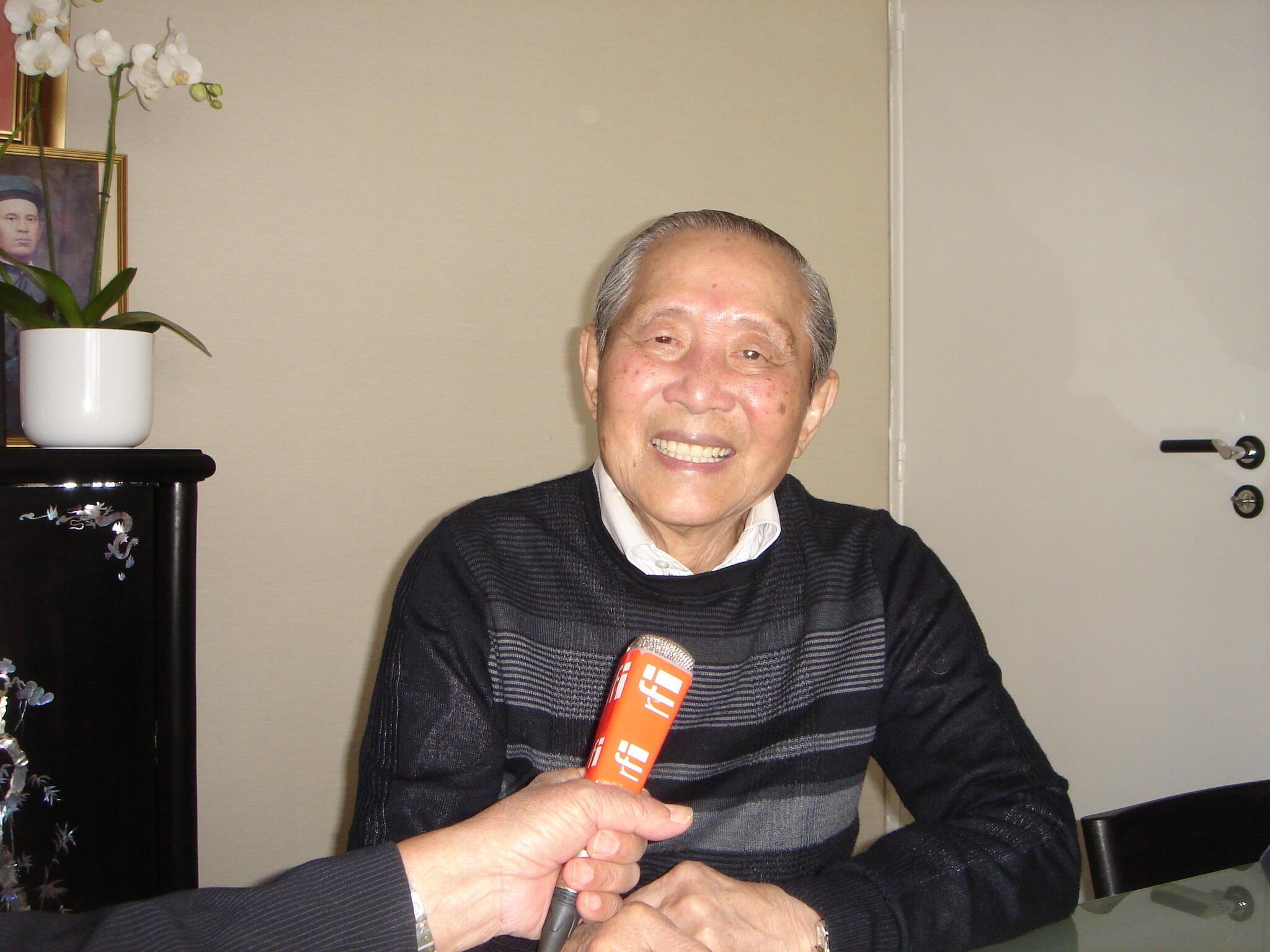 Giáo sư Vũ Quốc Thúc trả lời phỏng vấn RFI ngày 08/03/2012.