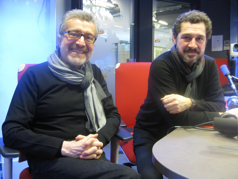 Rodolfo Parada y Patricio Wabg en los estudios de RFI