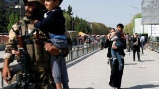 阿富汗首都喀布尔通信部办公大楼遇袭。