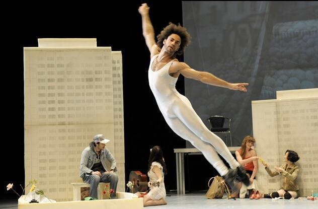 O bailarino brasileiro Ronni Maciel é radicado em Berlim.