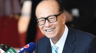 存檔圖片: 香港億萬富豪李嘉誠