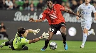 Asamoah Gyan, ici contre Auxerre, a trouvé ses marques à Rennes.