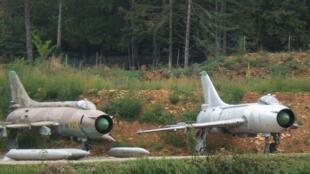 L'avion de chasse russe-Sukhoi Su-17. Ici, au musée du château de Savigny-les-Beaunes.