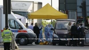 Um soldado foi morto a facadas no subúrbio de Londres nesta quarta-feira