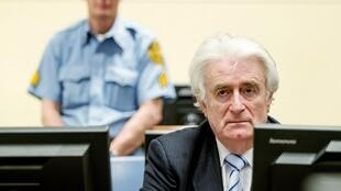 Radovan Karadzic perante o Tribunal Penal Internacional para a antiga Iugoslávia (TPII), em 2016.