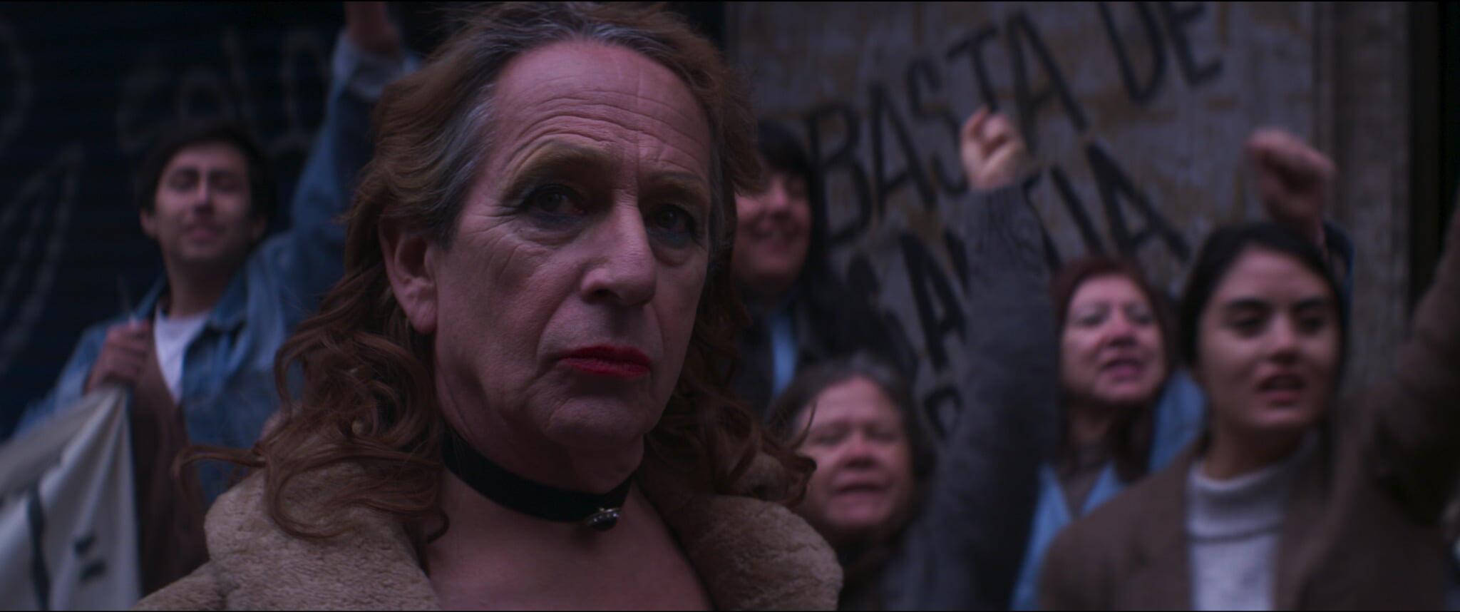 """Em """"Tengo Miedo Torero"""", filme chileno de Rodrigo Sepúlveda, o ator Alfredo Castro vive uma travesti que se envolve com um ativista em plena ditadura Pinochet."""