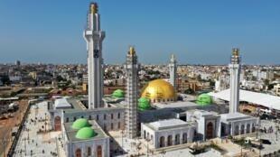 La grande mosquée des mourides à Dakar, inaugurée le 27 septembre 2019.