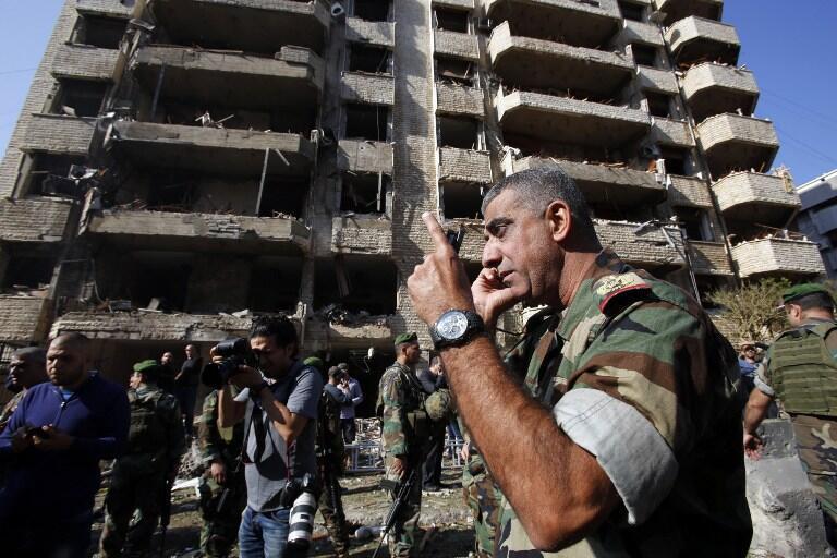 Les immeubles aux alentours du bâtiment de l'ambassade ont été soufflés par l'explosion.