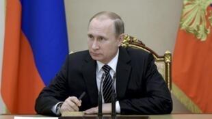 ប្រធានាធិបតីរុស្ស៊ី  Vladimir Poutine នាសម័យប្រជុំមួួនៅវិមាន Kremlinក្រង  Moscou ១៧ មីនា២០១៦