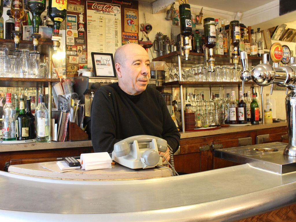 巴黎蒙馬特咖啡館«Chez Ammad»,這裡也是國寶級歌星皮亞芙與情人避開群眾約會的地點