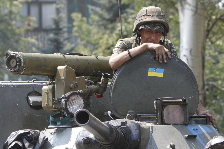 Quân đội Ukraina tham chiến tại miền đông  ngày 14/8/2014.