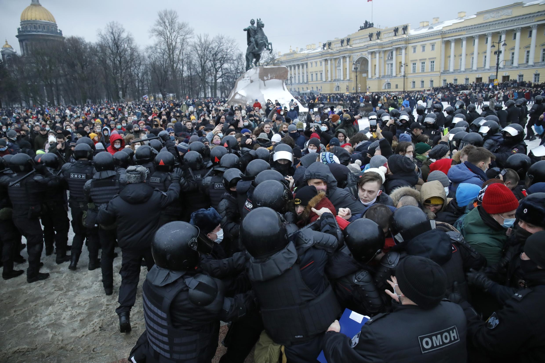 Акция 23 января в Санкт-Петербурге была отмечена столкновениями полицейских с митингующими