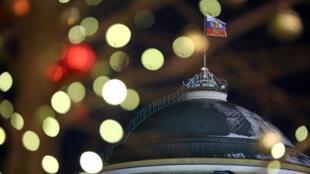 GettyImages 1229979283 Kremlin Russie Noël drapeau russe