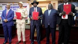 (L-R) Deputy head of Sudan People's Liberation Movement-North (SPLM-N) Yasir Arman, head of the military council Lt. Gen Mohamed Hamdan Dagalo, S Sudan's Pres Salva Kiir, S Sudan Mediation Committee Chair Tut Galwak, and SPLM-N chief Gen Ahmed El-Omda