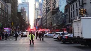 A polícia evacuou a zona de Port Authority no coração de Nova Iorque.