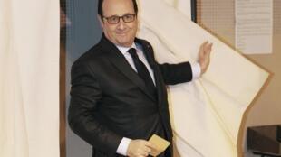 François Hollande precisa unir a esquerda após a derrota nas eleições departamentais