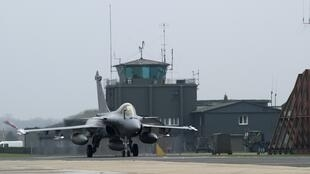 A Rafale aircraft prepares to take off from Saint-Dizier military base, eastern France, 19 March 19