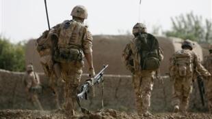 نیروهای بریتانیایی در حین عملیات در ولایت هلمند افغانستان.