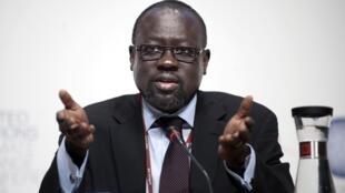 L'ambassadeur soudanais aux Nations unies, Lumumba Stanislaus Di-Aping, représente le « Groupe des 77 plus la Chine » au Sommet de Copenhague.