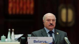 По словам президента Беларуси Александра Лукашенко, «декрет о тунеядцах», приостановленный после весенних акций протеста, не будет отменен.