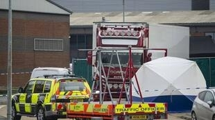 英國埃塞克斯郡破獲冷凍貨櫃車上有39位凍死非法移民          2019年10月23日